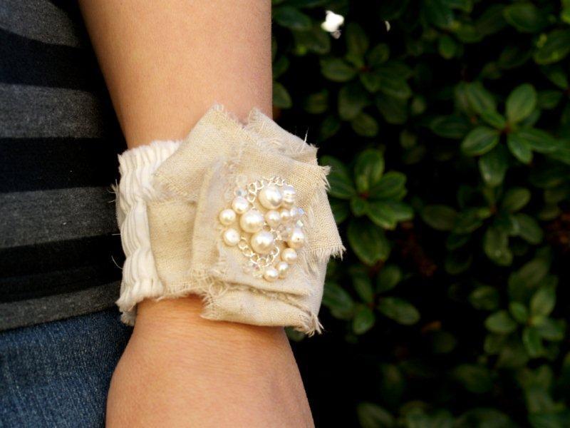 P1010712 Romantic Ruffled Bracelet
