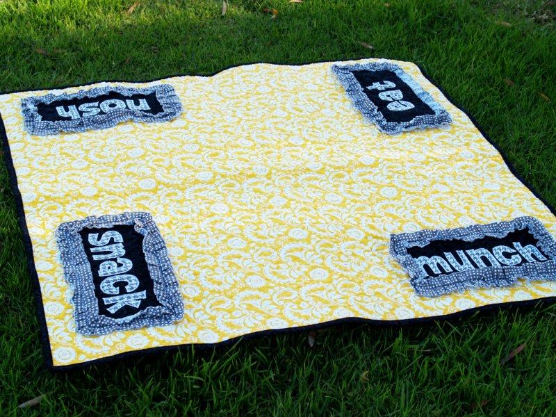 Picnic Bag and Quilt Set