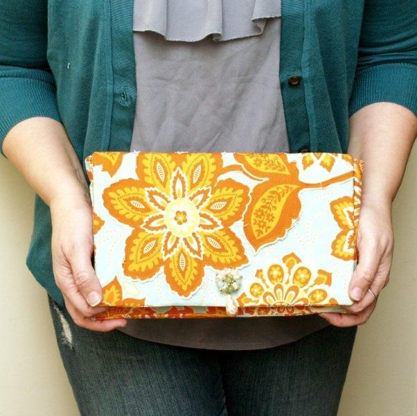 A Simple Clutch – Applique Version!