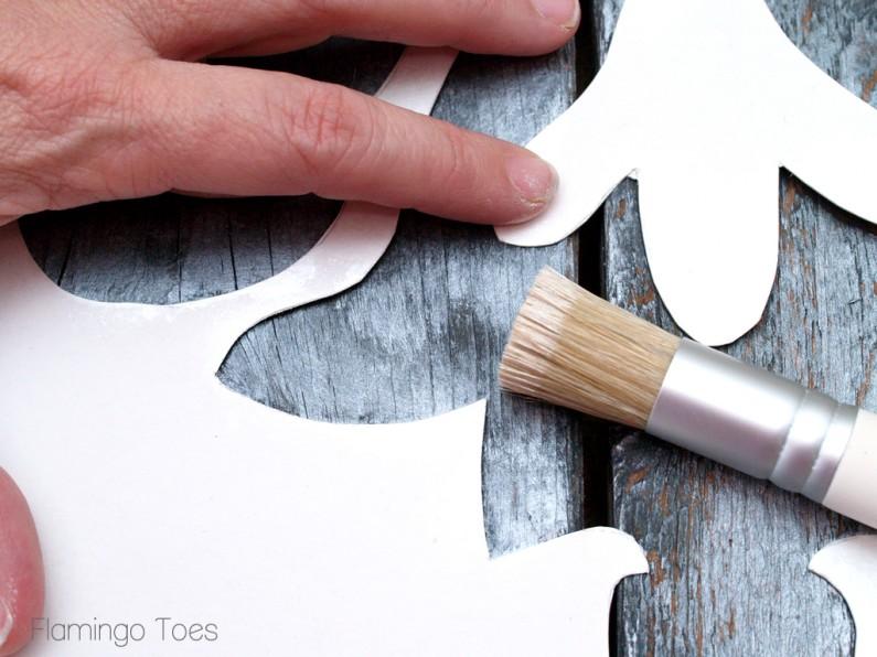 Stencilling a Pallet