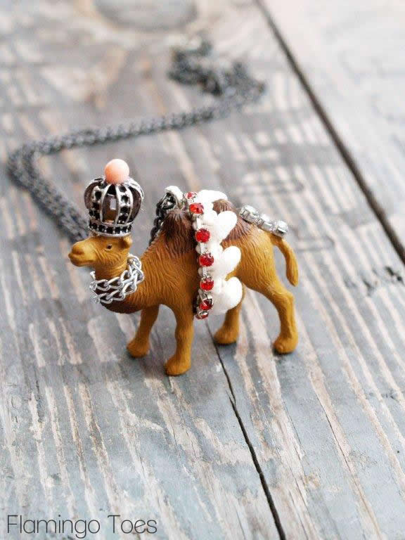 Circus Camel Necklace