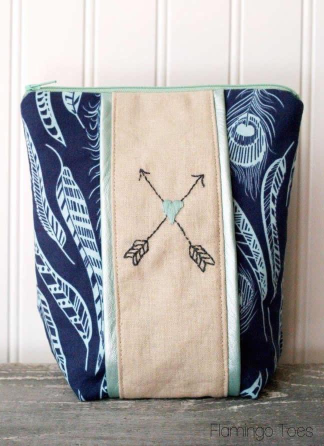 Arrow & Heart Embroidered Zipper Pouch