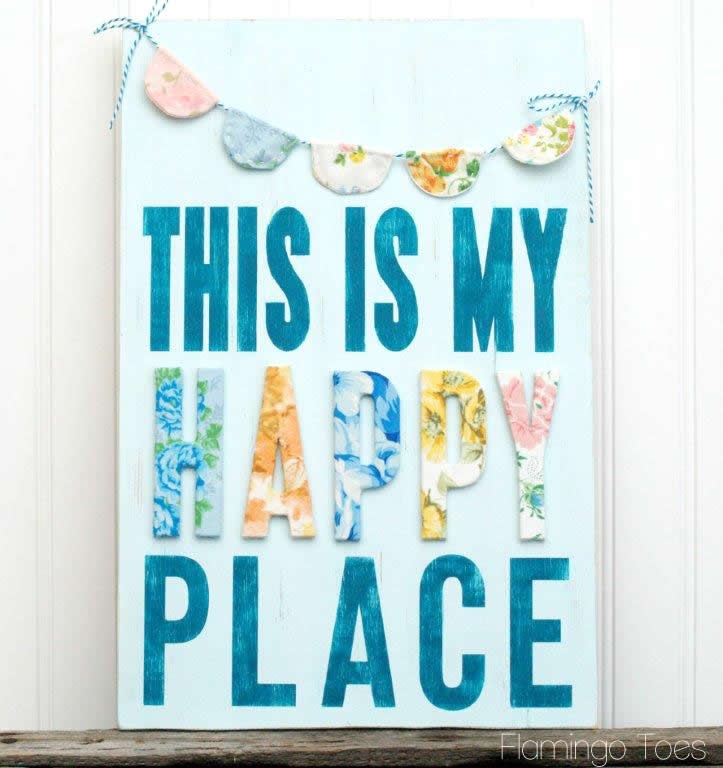 DIY Vintage-Style Happy Place Sign