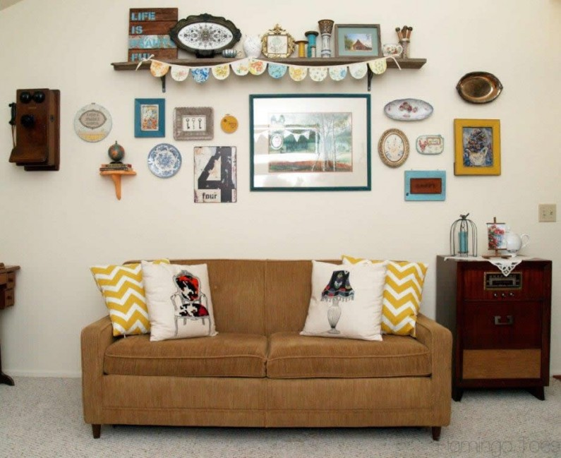 Vintage style gallery wall for Retro dekoration