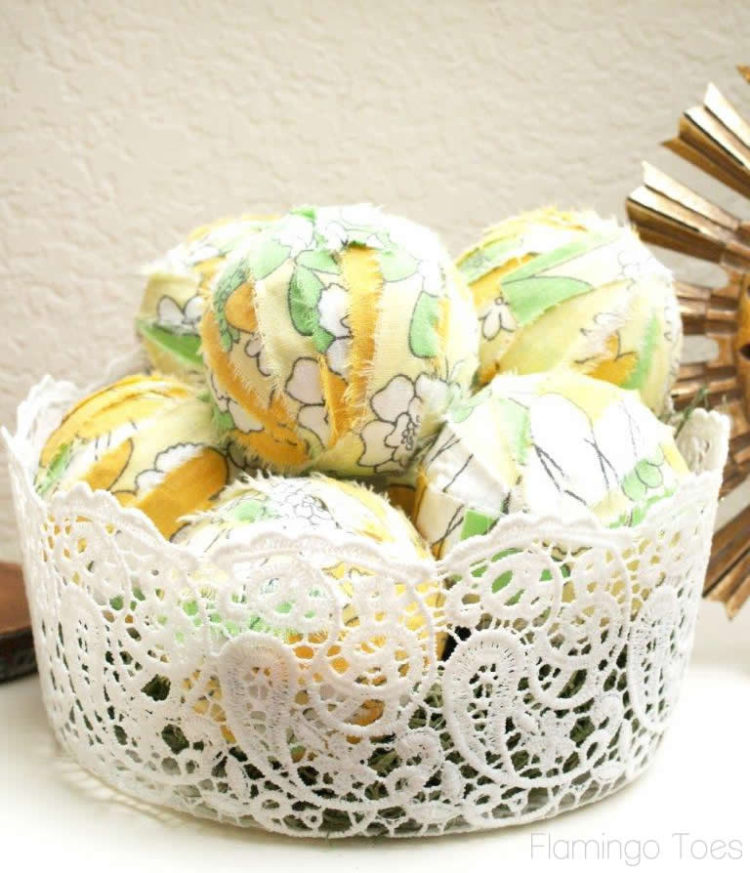 Easy Fabric Decor Balls