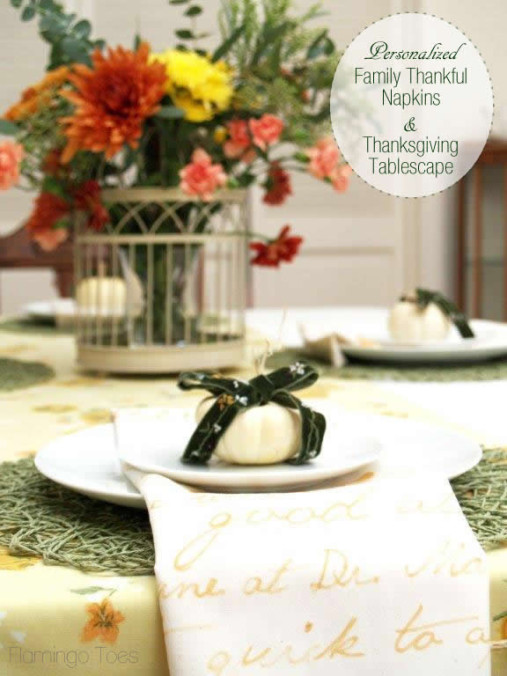 Personalized Thanksgiving Napkins and Table Décor #turkeytablescapes
