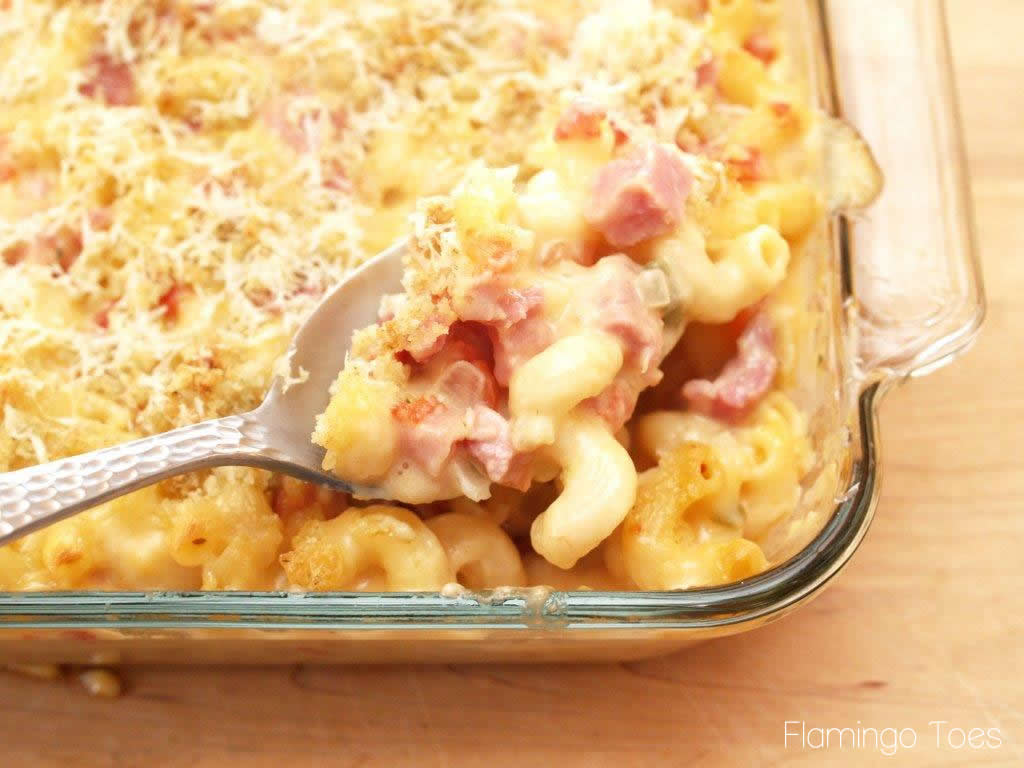 Spicy Baked Macaroni and Cheese with Ham