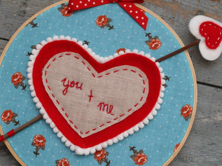 Valentine Heart and Arrow Hoop