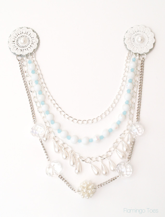 layered chains necklace bib
