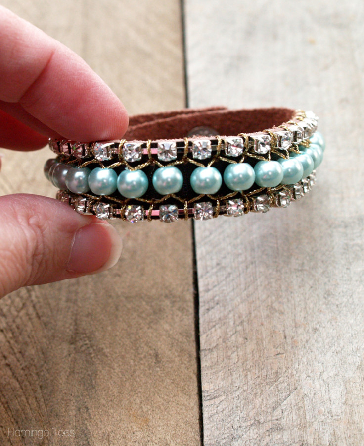 pretty pearl and rhinestone bracelet