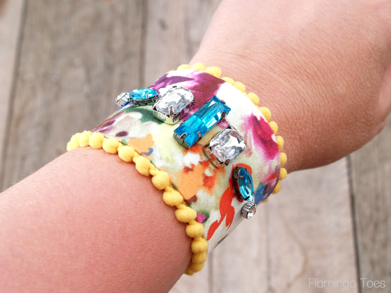 Pretty Summer Floral Bracelet