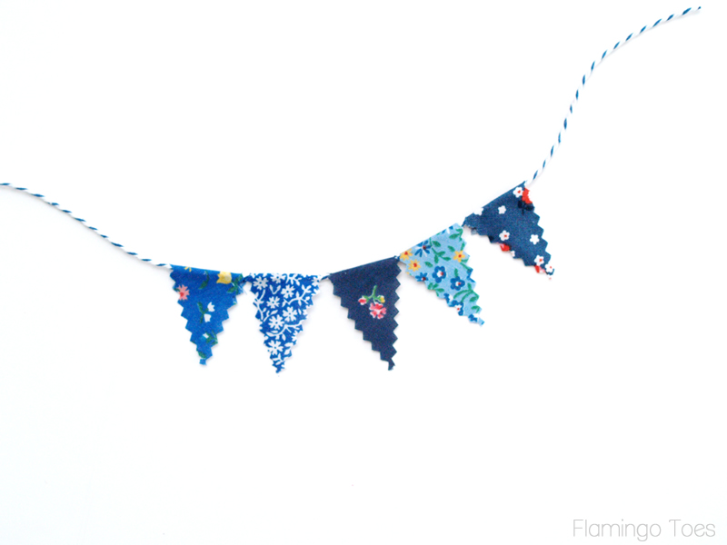 tiny pennant banner for wreath