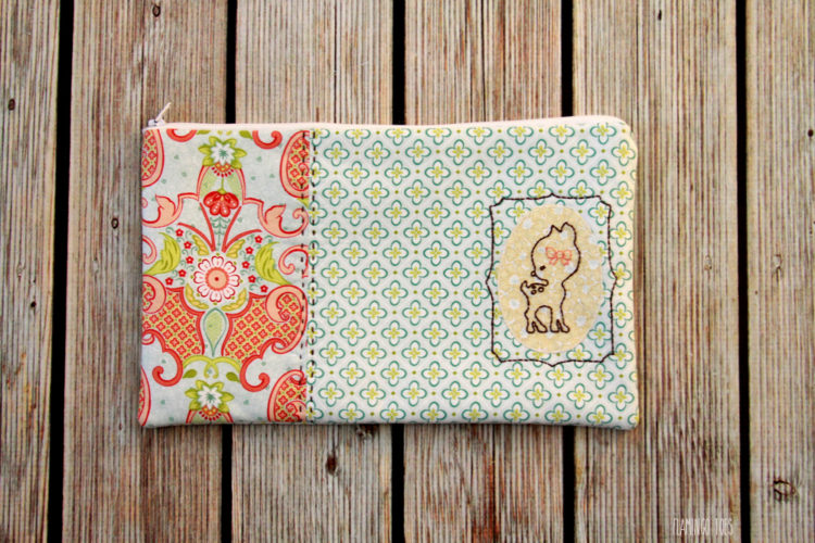 Deer-Embroidered-Zipper-Pouch