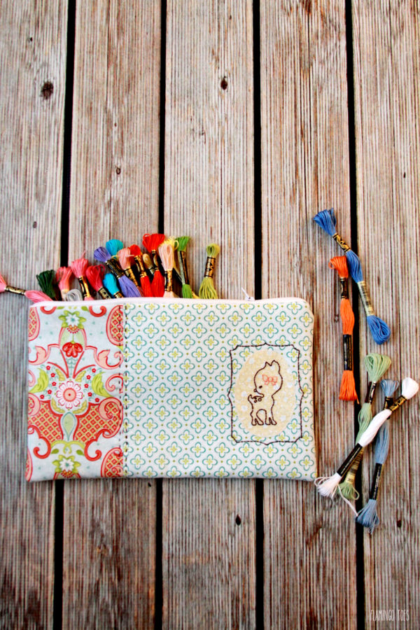Easy-Deer-Embroidered-Zipper-Pouch
