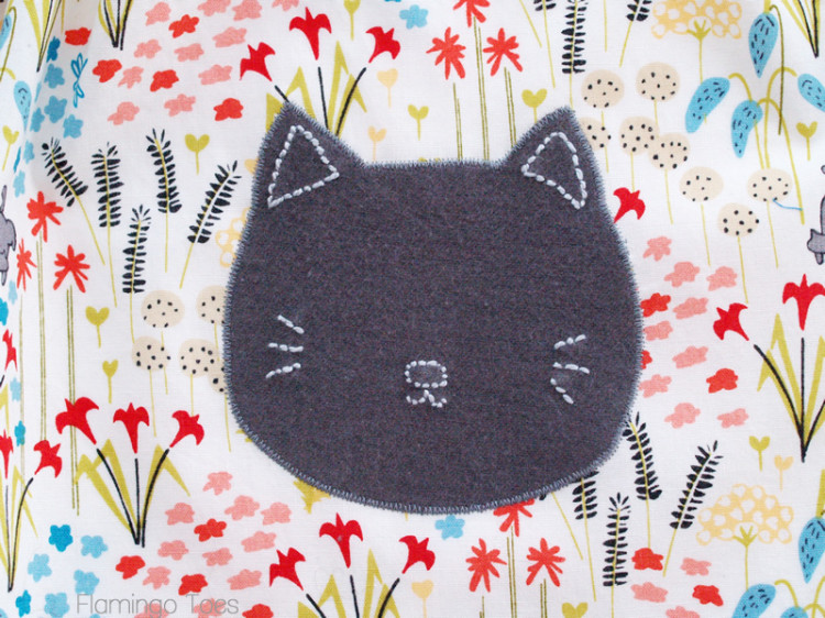 Kitten applique on skirt