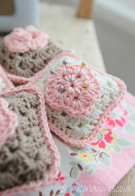 21 Cute and Quick Crochet Projects featured by top US crochet blog, Flamingo Toes