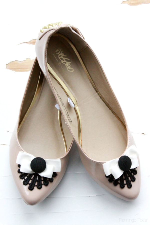 Bows and Lace Flats