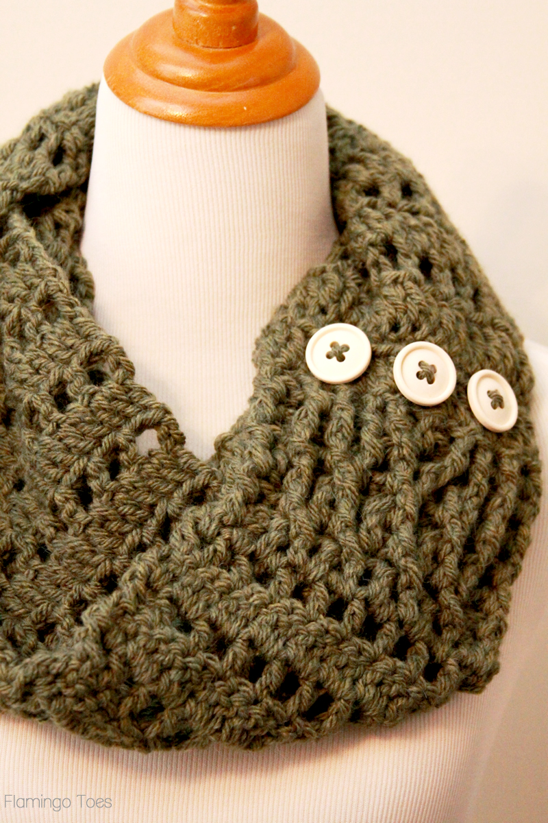 Chunky crochet infinity scarf crochet infinity scarf diy bankloansurffo Image collections