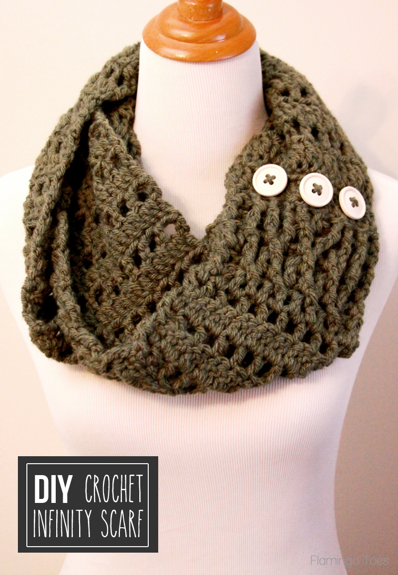 Crocheting Ends Of Infinity Scarf Together : Chunky Crochet Infinity Scarf -