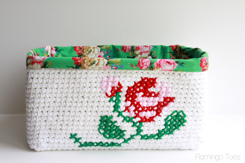 pretty lined crochet basket