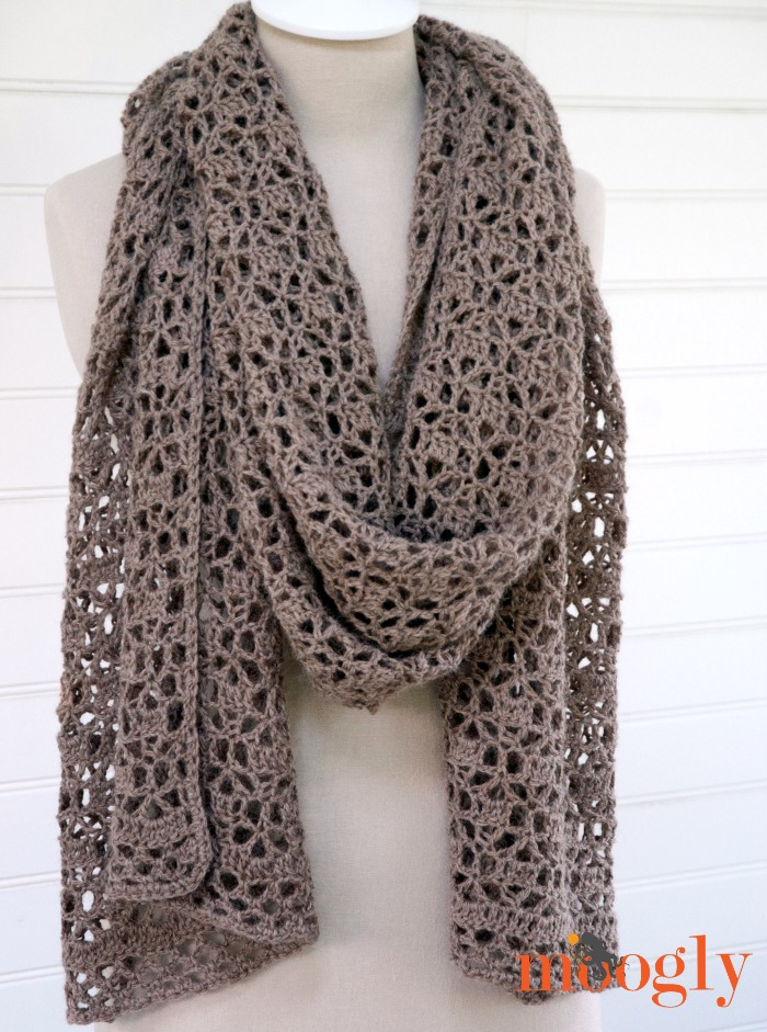 Free Crochet Scarf Patterns featured by top US sewing blog, Flamingo Toes