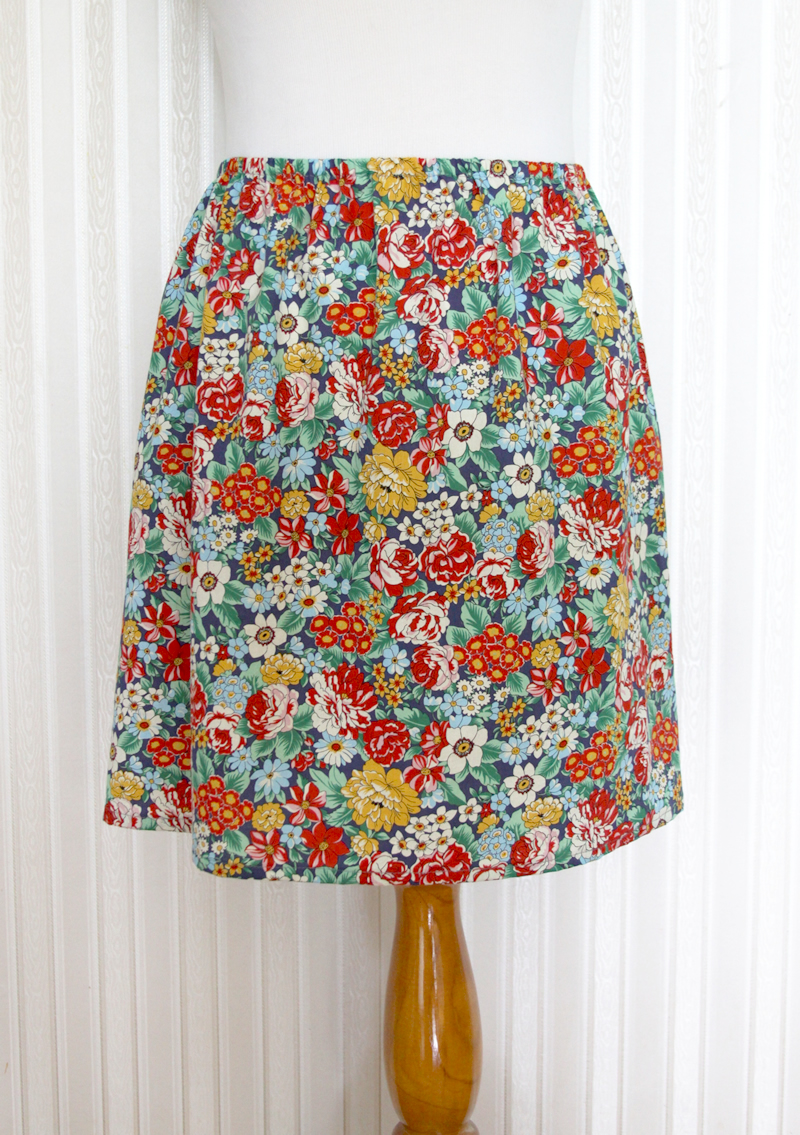 15 Minute DIY Skirt tutorial featured by top US sewing blog, Flamingo Toes: Easy and Cute DIY Skirt