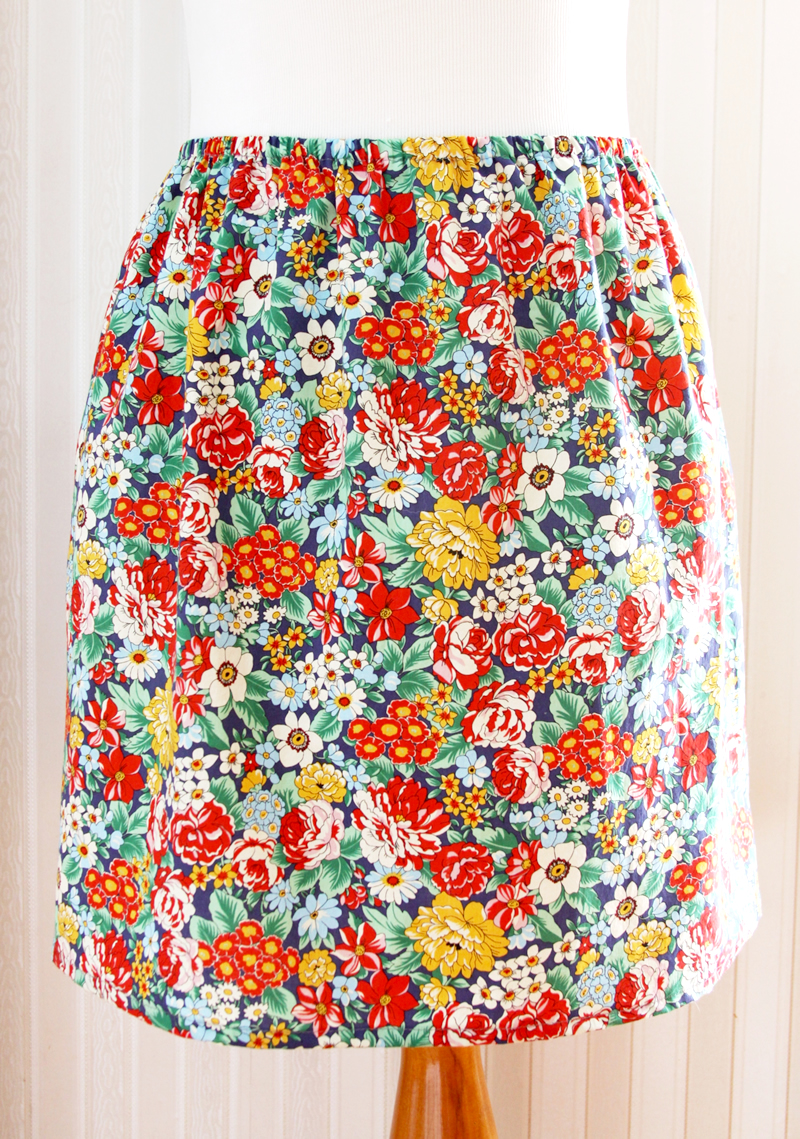 15 Minute DIY Skirt tutorial featured by top US sewing blog, Flamingo Toes: Easy and Fast Skirt DIY
