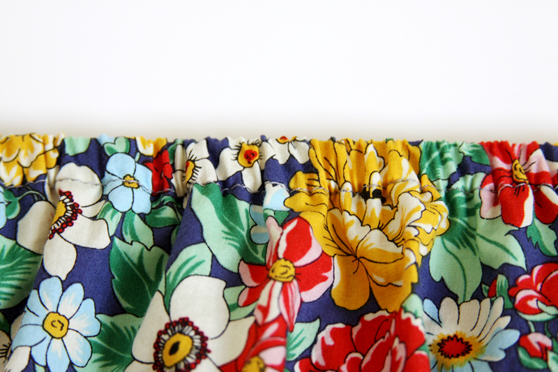 15 Minute DIY Skirt tutorial featured by top US sewing blog, Flamingo Toes: elastic waistband