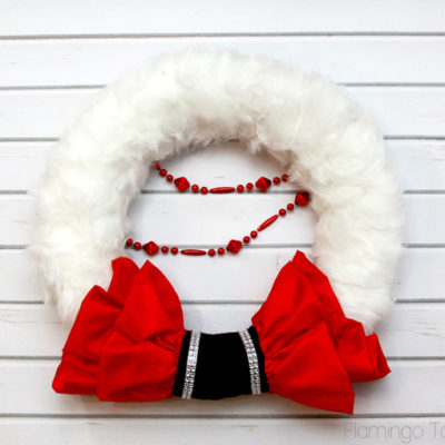 Ruffled Santa Wreath