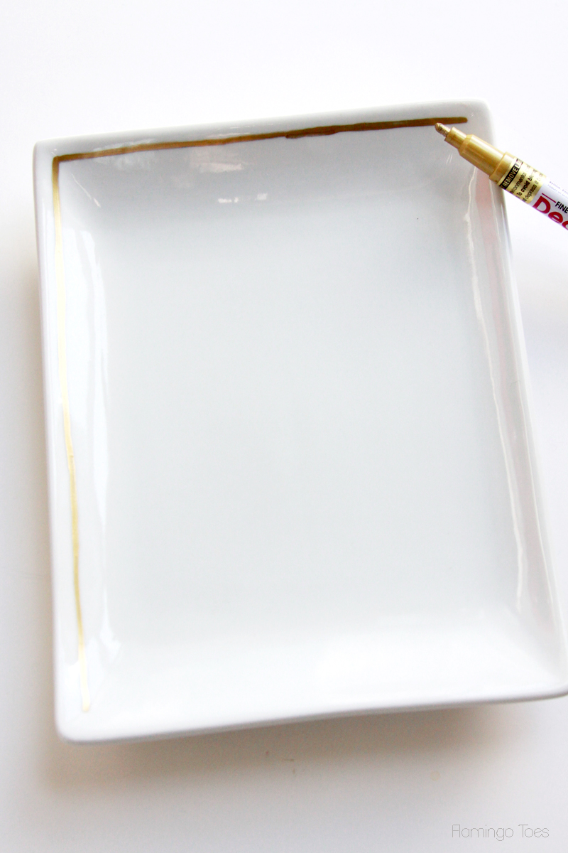 Draw-gold-rim-on-plate