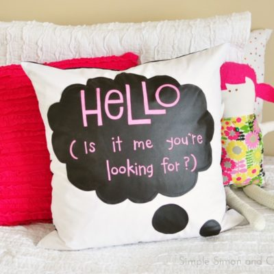 DIY Chalk Cloth Speech Bubble Pillow