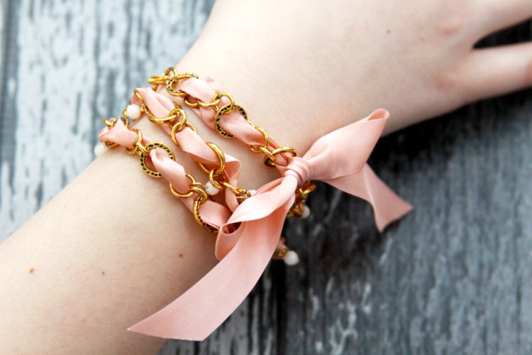 Vintage Ribbon Chain Bracelet