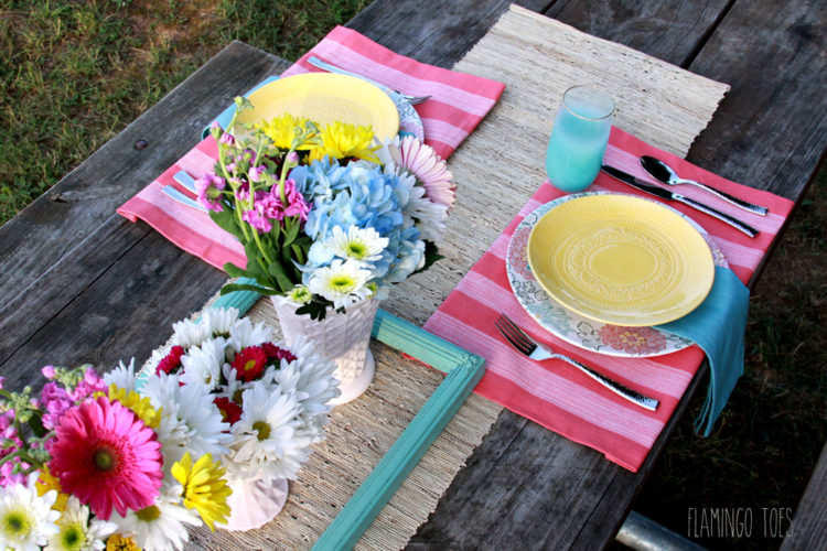 Floral-Rustic-Style-Picnic-Setting