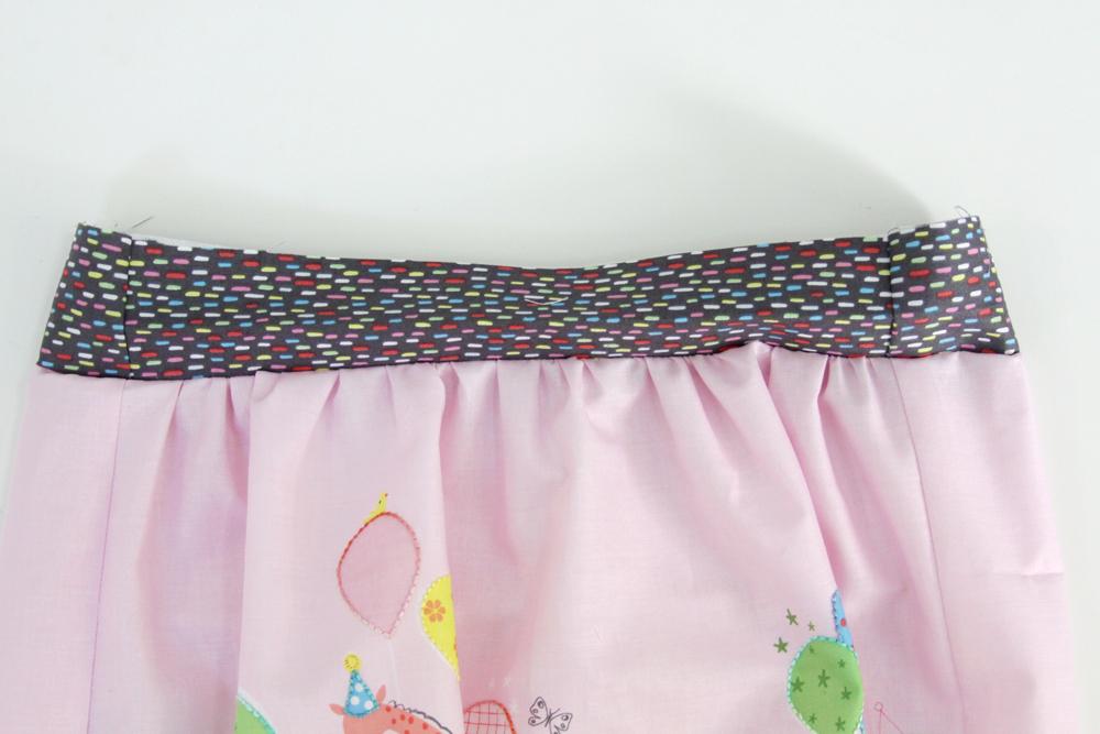 Waistband for skirt