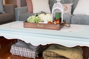 Cozy Holiday Living Room Decor