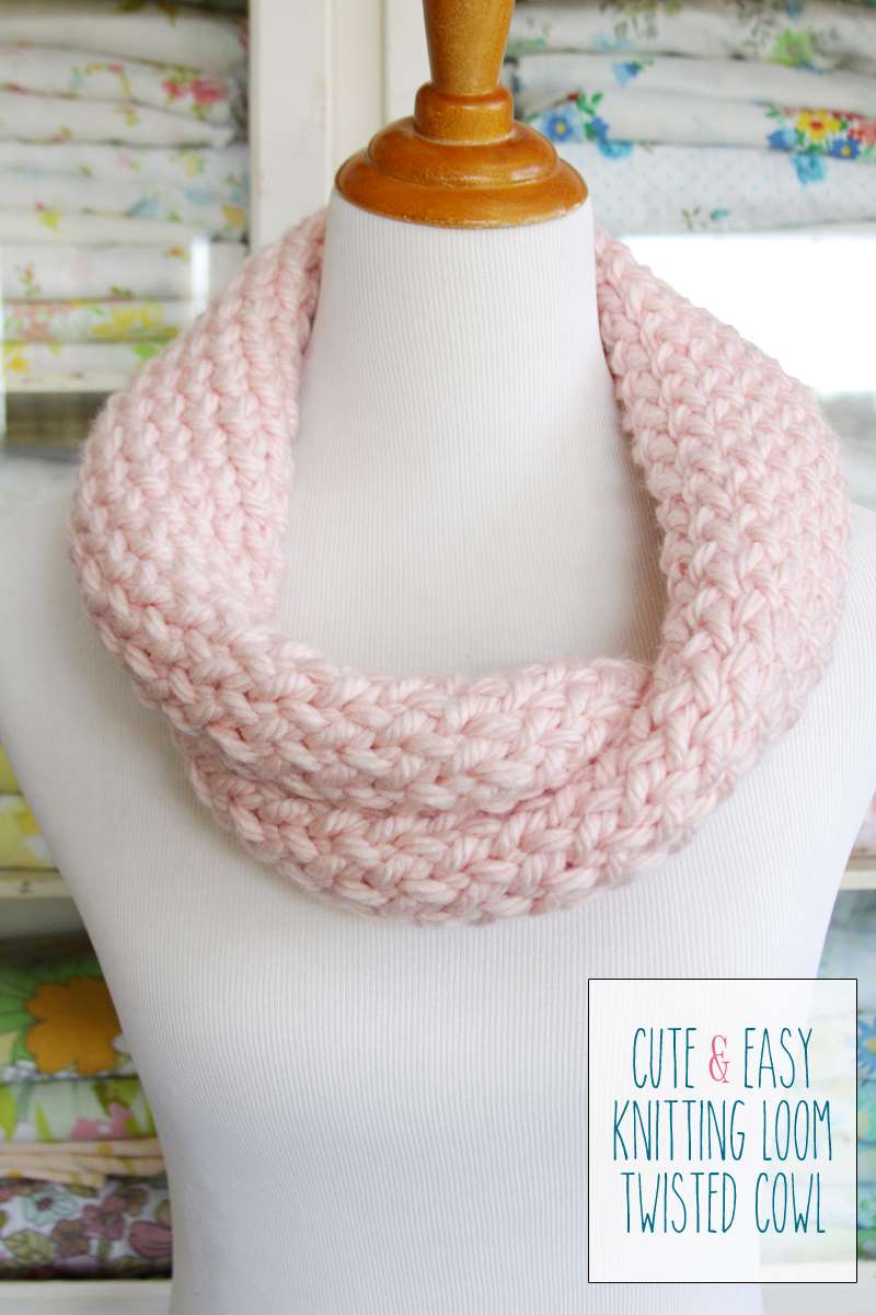 Cute and Easy Knitting Loom Cowl -