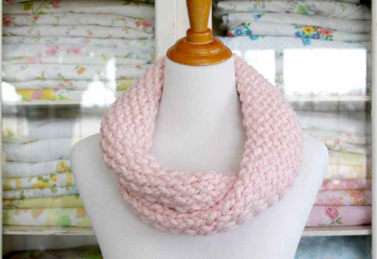 Easy Twisted Knit Cowl