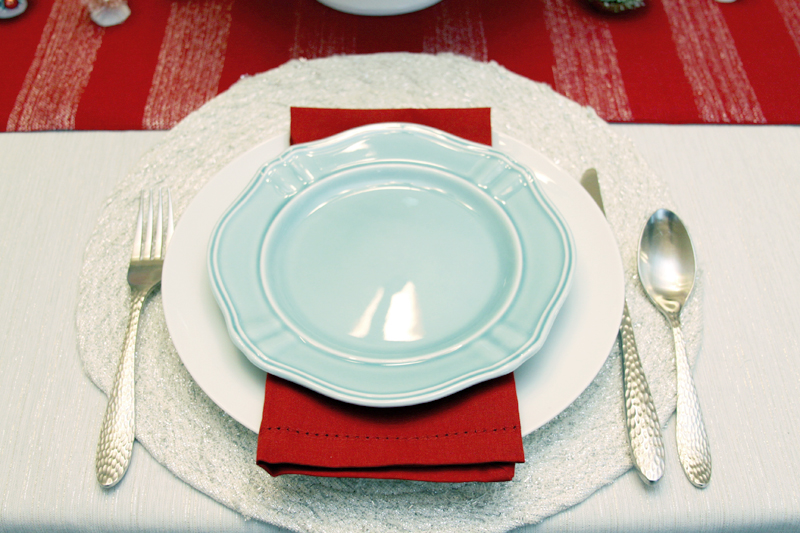Turquoise and Red Table Setting