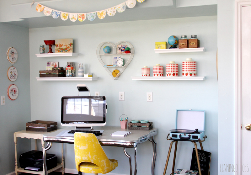 Cute Retro Office Space