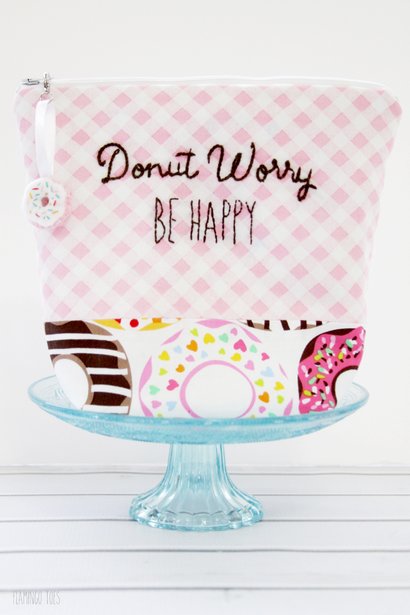 Cute and Easy Donut Zipper Pouch
