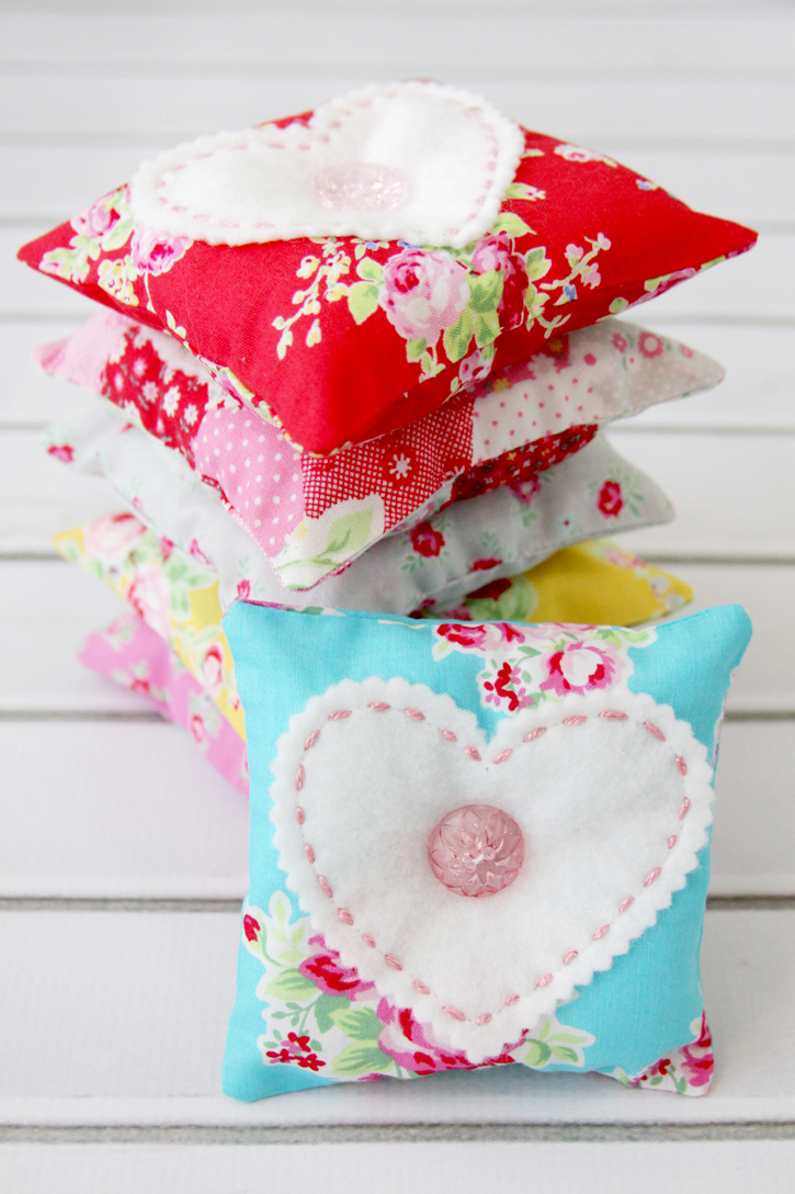 Fabric Lavender Sachets featured by top US sewing blog, Flamingo Toes