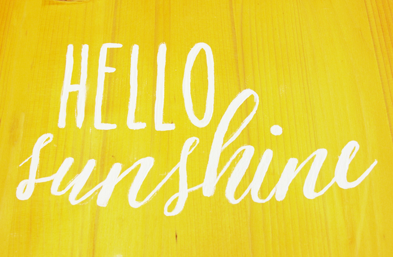 Hello Sunshine lettering on tray