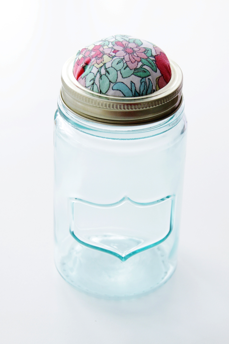 Pincushion Lid on mason jar