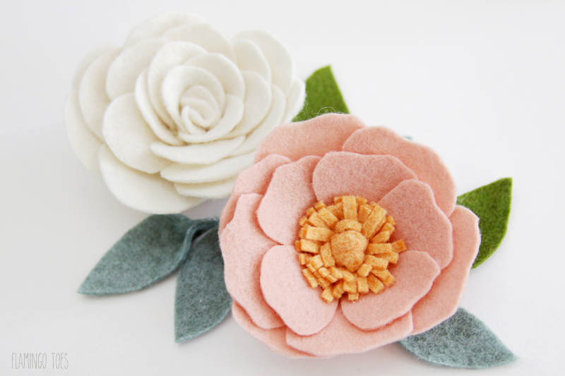 Pretty DIY Felt Flowers