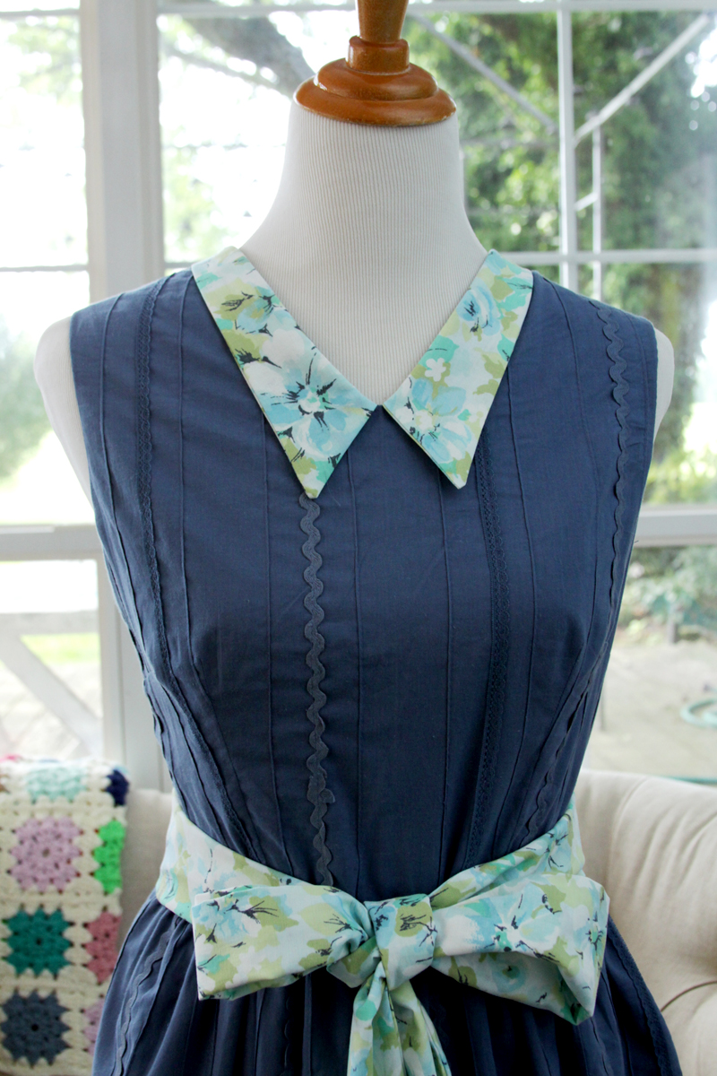 Sundress with Vintage Sheet Collar