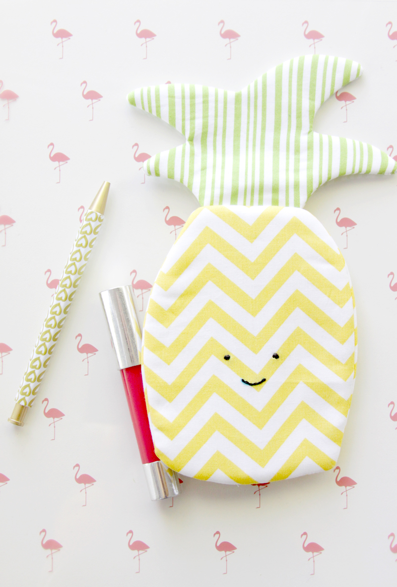 Pineapple Zipper Pouch