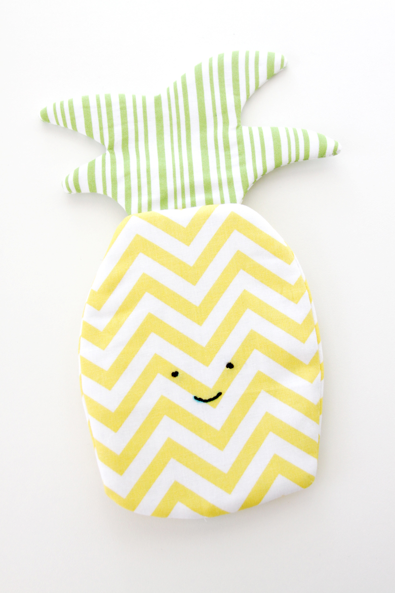 Simple Pineapple Zipper Pouch