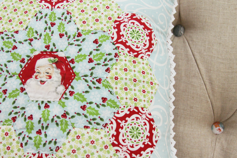 Vintage Style Christmas Pillow Tutorial
