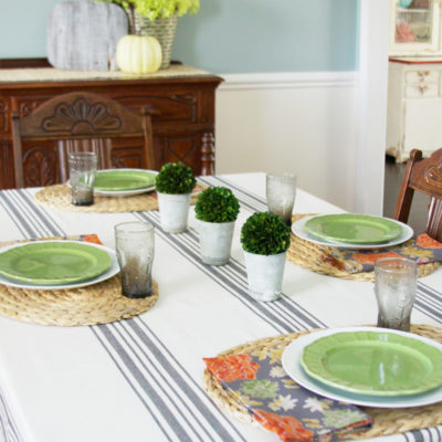 Simple and Stylish Farmhouse Dining Room Decor