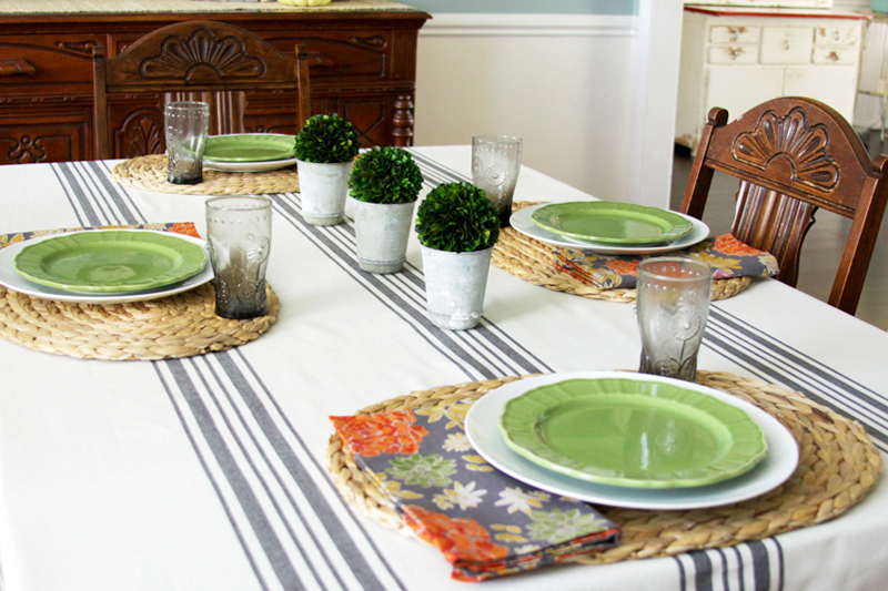 Farmhouse Fall Table Setting